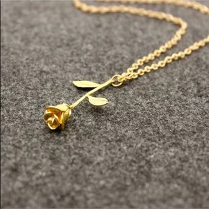 Jewelry - 🌹Gold rose necklace🌹